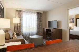 Premium Queen Suite with Two Queen Beds