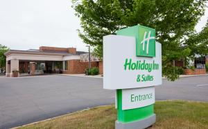 Holiday Inn Hotel & Suites St. Cloud, Szállodák  Saint Cloud - big - 1