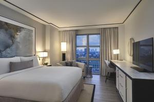 King Room with City Skyline View