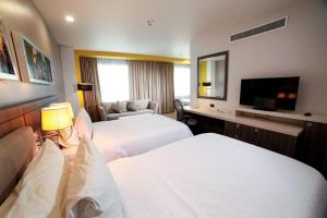 Double Room: 2 twin beds