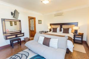 Two-Bedroom Family Suite (4 Adults)