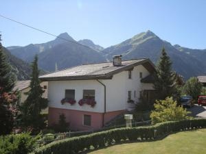 Irene 2, Apartments  Sankt Gallenkirch - big - 36