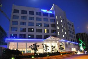 Photo of Hotel Kohinoor Elite