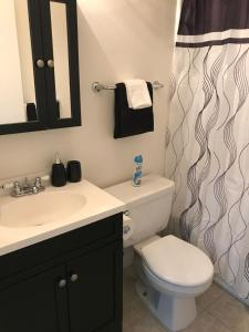 Unique Condo with Mountain View, Apartmány  Burbank - big - 4