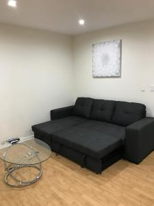 Unique Condo with Mountain View, Apartmány  Burbank - big - 5
