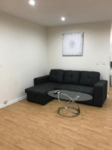 Unique Condo with Mountain View, Apartmány  Burbank - big - 8