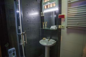 Nice & Cozy by the River Mtkvary, Apartmány  Tbilisi City - big - 12