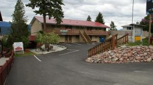 Rocky Mountain Springs Lodge & Citadella Restaurant
