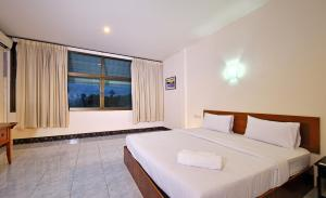Krabi Grand Place Hotel, Hotels  Krabi town - big - 10