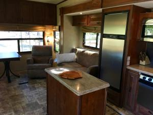 Mountain RV Experience on 35 Acres, Holiday homes  Black Hawk - big - 15