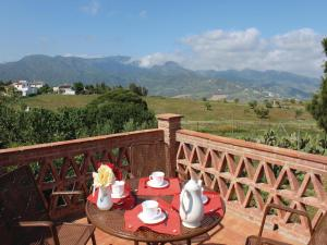 Three-Bedroom Holiday Home in El Gastor, Nyaralók  El Gastor - big - 22