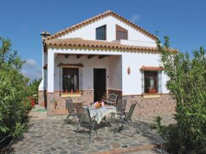 Three-Bedroom Holiday Home in El Gastor, Nyaralók  El Gastor - big - 10