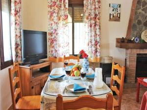 Three-Bedroom Holiday Home in El Gastor, Nyaralók  El Gastor - big - 5