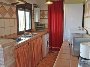 Three-Bedroom Holiday Home in El Gastor, Holiday homes  El Gastor - big - 31