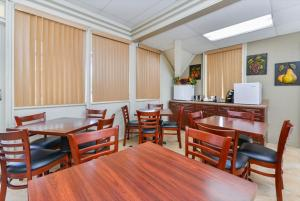 Americas Best Value Inn Sarasota, Motel  Sarasota - big - 22