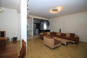Villa on Sport Street 27/2, Villas  Yerevan - big - 5