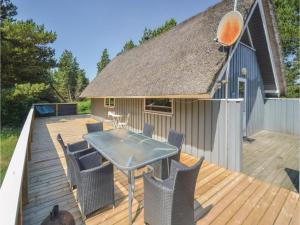 Rie, Holiday homes  Blåvand - big - 26