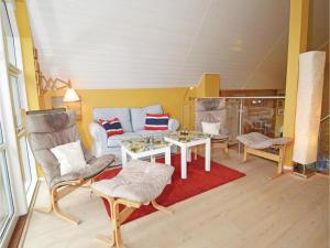 Three-Bedroom Holiday home with Sea View in Blåvand, Case vacanze  Blåvand - big - 2