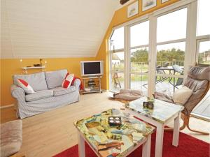 Three-Bedroom Holiday home with Sea View in Blåvand, Ferienhäuser  Blåvand - big - 13