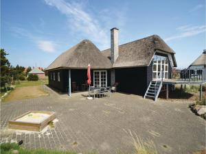 Three-Bedroom Holiday home with Sea View in Blåvand, Case vacanze  Blåvand - big - 30