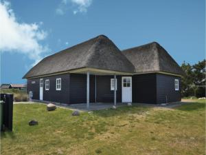 Three-Bedroom Holiday home with Sea View in Blåvand, Ferienhäuser  Blåvand - big - 33