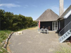 Three-Bedroom Holiday home with Sea View in Blåvand, Ferienhäuser  Blåvand - big - 36