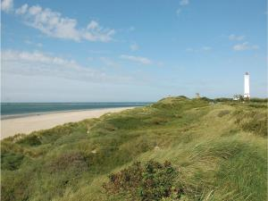 Three-Bedroom Holiday home with Sea View in Blåvand, Case vacanze  Blåvand - big - 16