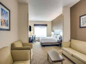 Junior King Suite with Sofa Bed - Disability Access - Non-Smoking