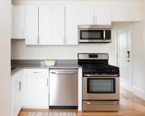 Two-Bedroom on E Springfield Street Apt 3, Apartments  Boston - big - 3