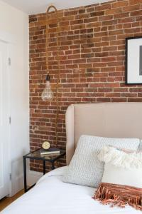 Two-Bedroom on E Springfield Street Apt 3, Apartments  Boston - big - 13