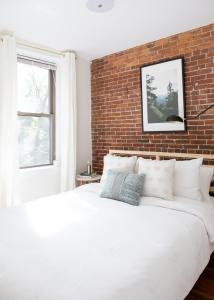 Two-Bedroom on E Springfield Street Apt 3, Apartments  Boston - big - 26