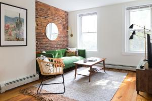 Two-Bedroom on E Springfield Street Apt 3, Apartments  Boston - big - 28