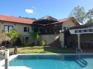Deluxe Two Bedroom Villa with Seaview