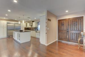 Stunning Home Close to Everything Yet Far From All, Villen  Las Vegas - big - 15