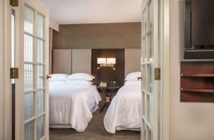 Club Double Suite with Two Double Beds