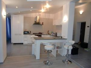 Family apartment with kitchen and shower, Ferienwohnungen  Truskavets - big - 3