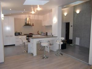 Family apartment with kitchen and shower, Ferienwohnungen  Truskavets - big - 10