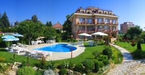 Family Hotel Vega, Hotely  St. St. Constantine and Helena - big - 1
