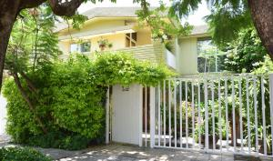 6 Bedroom Business ready House