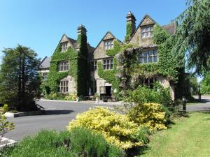 Weston Hall Hotel in Bulkington, Warwickshire, England