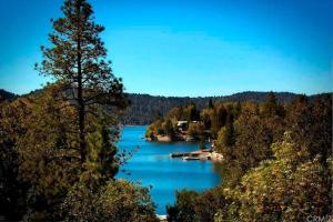 Five-Bedroom Holiday Home