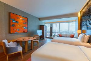 Two Double Beds Room with Canton Tower View