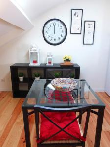 Cozy ATTIC up to 4 guests, Apartmány  Lisabon - big - 2