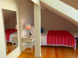 Cozy ATTIC up to 4 guests, Apartmány  Lisabon - big - 7
