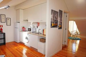 Cozy ATTIC up to 4 guests, Apartmány  Lisabon - big - 13