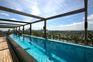 SUPERB 180degree VIEWS *POOL GYM PARKING WIFI, Apartmanok  Melbourne - big - 1