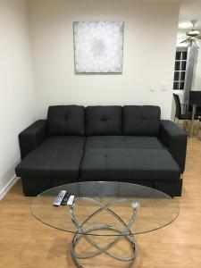 Unique Condo with Mountain View, Apartmány  Burbank - big - 11