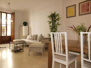 City Hall Square - Wolf, Apartmanok  Valencia - big - 7