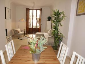City Hall Square - Wolf, Apartmanok  Valencia - big - 6