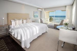 Luxury Suite with Sea View - 3